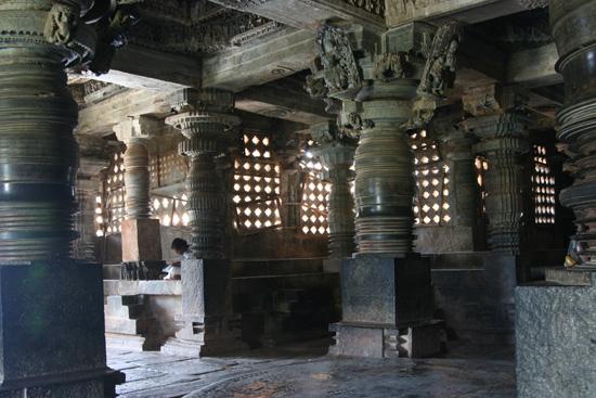 Halebid Hoysalesvara tempel (1211) IMG_8575.jpg