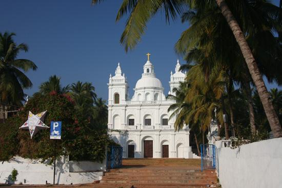 Goa Alexander kerk naast ons hotel in Calangute IMG_9264.jpg