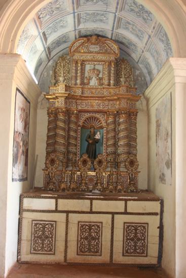 Goa Interieur van een van de vele kerken in Old Goa IMG_9277.jpg
