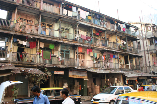 Mumbai Flatgebouw tegenover ons hotel in Mumbai IMG_9427.jpg