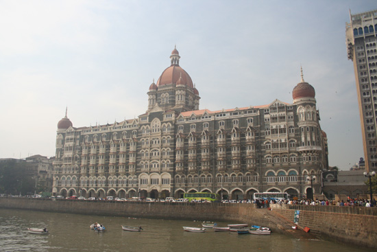 Mumbai Hotel Taj Mahal Palace tegenover de Gateway of India IMG_9578.jpg