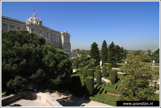 Madrid02 Royal Palace and Jardines de Sabatin 0210_6658.jpg