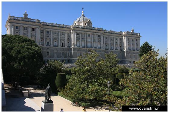 Madrid02 Royal Palace and Jardines de Sabatin 0220_6661.jpg
