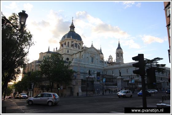 Madrid03 Catedral de Santa Maria La Real de Almudena 0280_6205.jpg