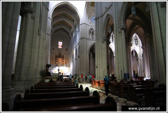 Madrid03 Catedral de Santa Maria La Real de Almudena 0290_6491.jpg