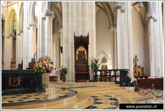 Madrid03 Catedral de Santa Maria La Real de Almudena 0350_6521.jpg