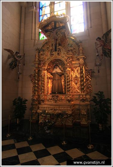 Madrid03 Catedral de Santa Maria La Real de Almudena 0370_6526.jpg