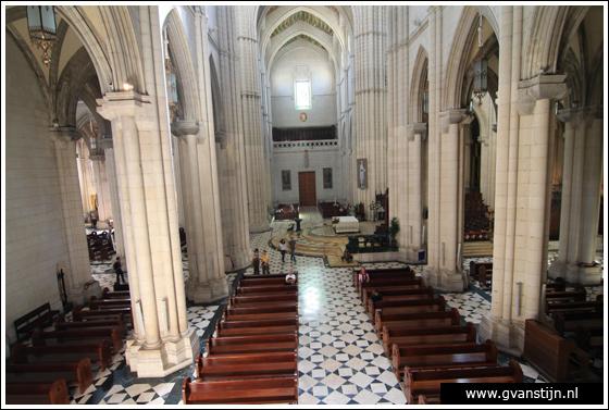 Madrid03 Catedral de Santa Maria La Real de Almudena 0400_6534.jpg