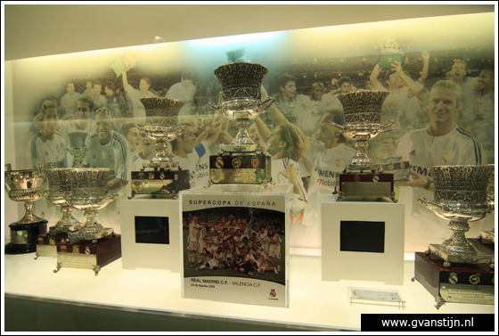 Madrid04 Museum in Estadio de Santiago Bernabeu of football club Real Madrid 0570_6634.jpg