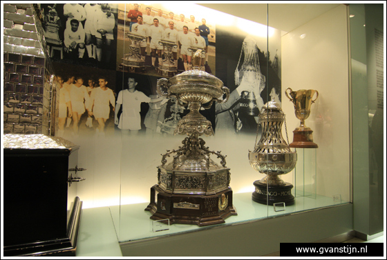 Madrid04 Museum in Estadio de Santiago Bernabeu of football club Real Madrid 0580_6636.jpg