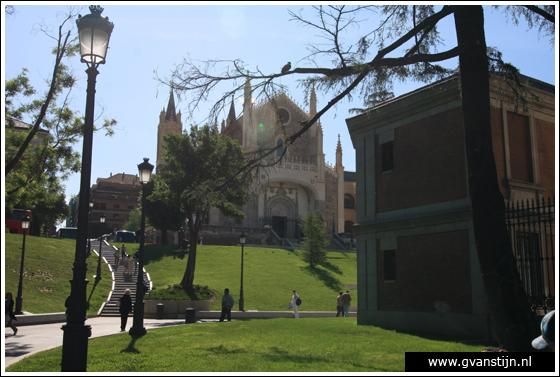 Madrid04 Iglesia de los Jerónimos near Prado museum 0600_6244.jpg