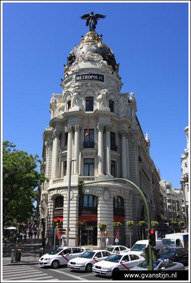 Madrid05 Edificio Metrópolis at Calle Alcalá  0850_6320.jpg