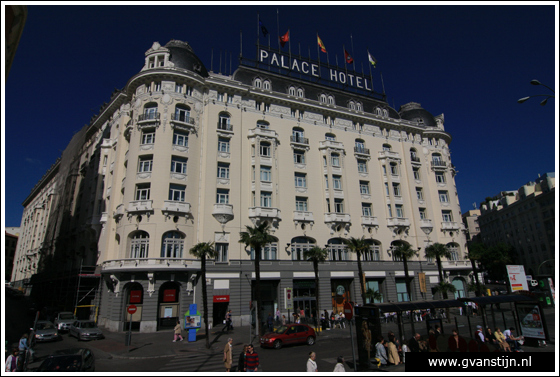 Madrid05 The Westin Palace, formerly named Palace Hotel (see the facade) at Plaza de Neptuno  0880_6236.jpg