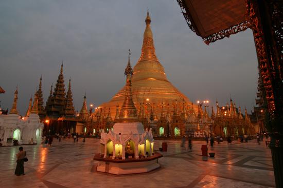 Yangon1 Yangon - Shwedagon pagode   0230_4748.jpg