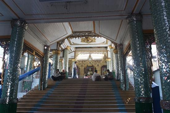 Yangon2 Sule Paya Pagode - entree   0260_4780.jpg