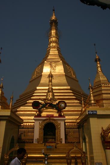 Yangon2 Sule Paya Pagode (46 m)   0270_4765.jpg