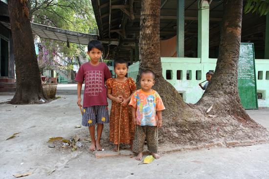 Yangon2 Streetlife Centrum   0310_4677.jpg