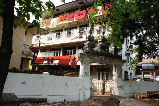 Yangon2 Klooster in het centrum   0320_4671.jpg