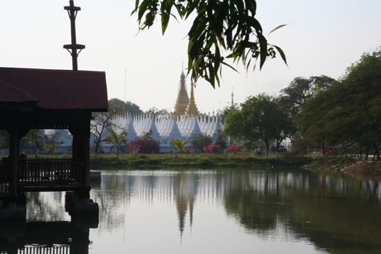 Mandalay Mandalay Kuthoday Paya (Pagode) (1857)   0730_5673.jpg