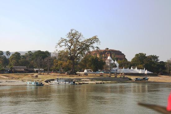Mingun Mingun Paya (pagode) aan de Irrawady River   0820_5145.jpg