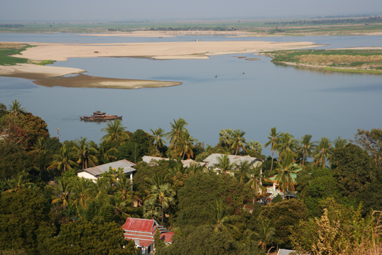 Mingun Uitzicht op de Irrawady River vanaf de Mingun Paya (pagode)<br><br> 0840_5169.jpg
