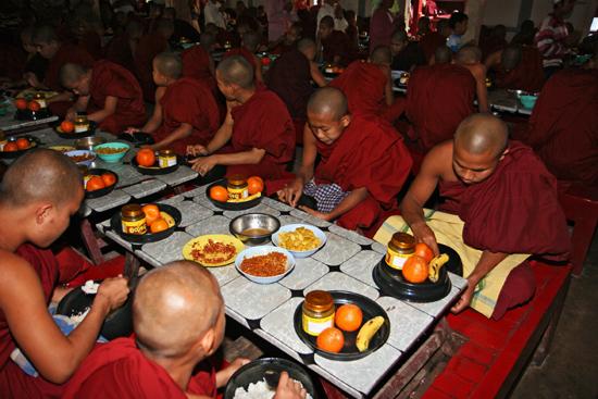 Amarapura Bon appetit   1010_5344.jpg