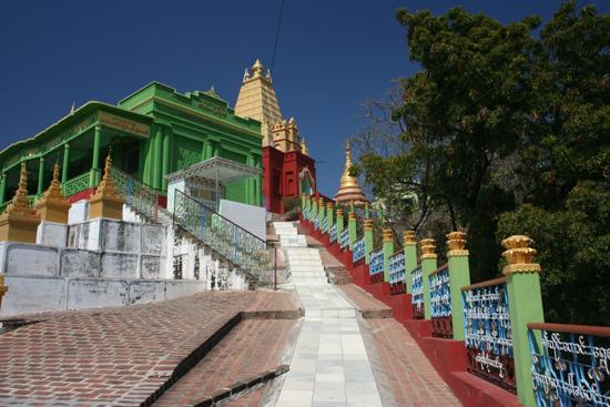 Amarapura Sagaing Hill Umin Thounzeh paya (pagode)   1060_5403.jpg