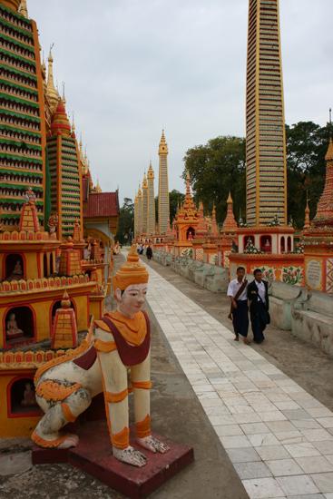 Monywa1 Monywa Thanboddhay Paya Pagode   1320_5773.jpg