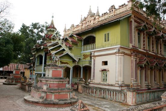 Monywa1 Monywa Thanboddhay Paya Pagode   1370_5749.jpg