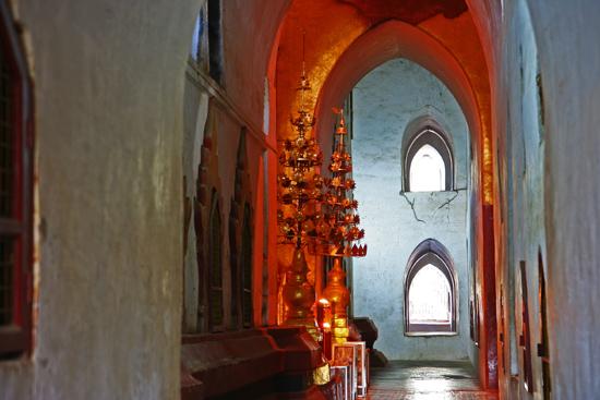 Bagan1 Bagan Ananda Pahto (1090-1105) (52m hoog)   1770_6009.jpg