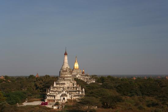 Bagan2 Bagan Honderden pagodes in prachtig landschap   2130_6244.jpg