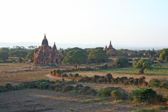 Bagan2 Bagan tijdens schemering   2160_6109.jpg