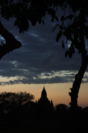 Bagan2 Bagan n� zonsondergang    2210_5998.jpg