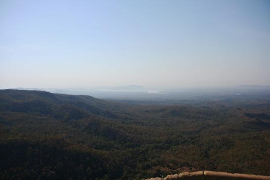 Mountpopa Mount Popa (737m) Uitzicht vanaf de top   2390_6379.jpg