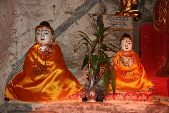 Pindaya Pindaya - De Pindaya Caves Meer dan 8.000 Boeddha afbeeldingen   2857_6821.jpg