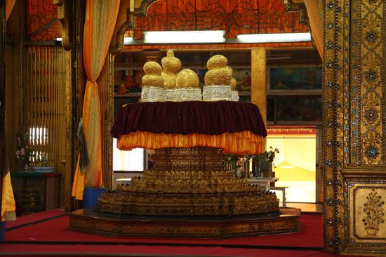 Inlemeer1 Inle lake - Ywama Phaung Daw Oo Paya   3090_7192.jpg