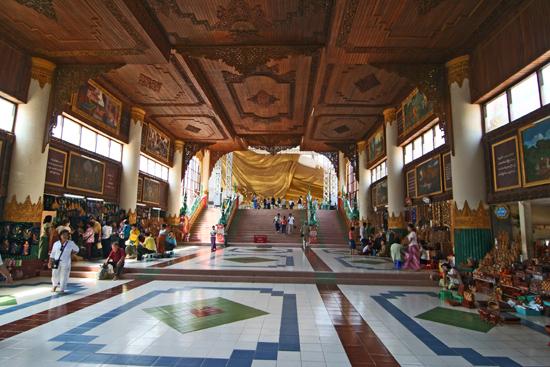 Bago Bago Entree van de Shwethalyaung Buddha Paya pagode �(994)   3820_7962.jpg