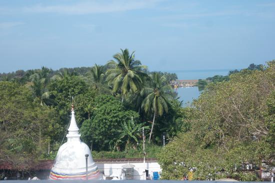 Kalutara Chaitya stupa  Uitzicht vanuit de stupa-0090