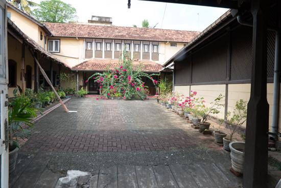 Galle Binnenplaats van een school of klooster-0570