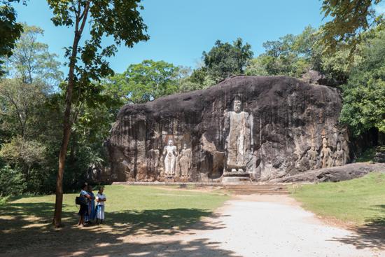 Buduruwagala statues - Wellawaya-1700