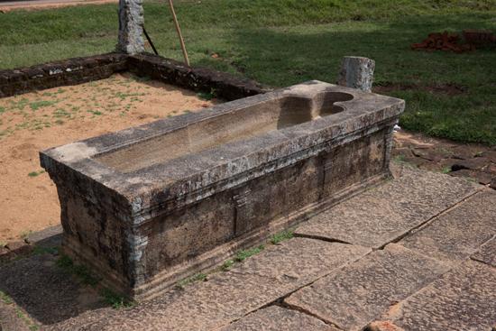 Mihintale - Anuradhapura  Ligbad t.b.v. geneeskrachtige behandelingen bij het hospitaal -3150
