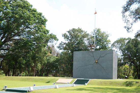 Elephant-Pass memorials-3780