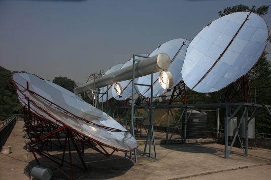 Zonnepanelen bij de  Vajra Academy in de Kathmandu Vallei ondersteund door de Vajra Foundation Holland-0340