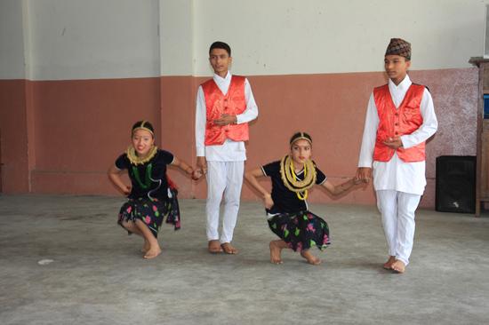Leerlingen van de  Vajra Academy in de Kathmandu Vallei ondersteund door de Vajra Foundation Holland-0360