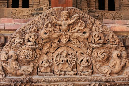 Patan (Lalitpur) Fraai houtsnijwerk in het Koninklijk Pleis - Royal Palace op Durbar Square-0580