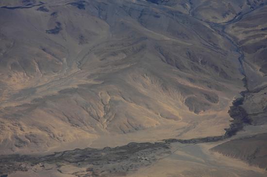Prachtig uitzicht op de Himalaya tijdens de vlucht  van Kathmandu-Nepal naar Lhasa-Tibet-0820