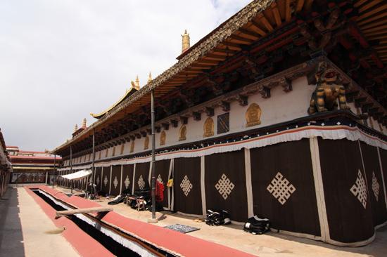 Jokhang tempel in Lhasa-1020