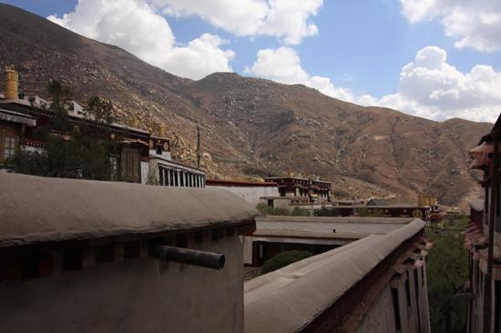 Drepung klooster - 8 km ten westen van Lhasa. Een van de grootste kloosters ter wereld (1416)-1100
