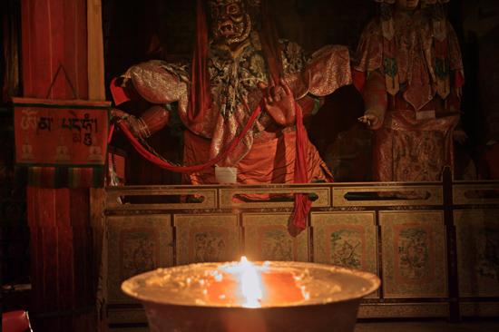 Boterlampen in het Samye klooster-1270